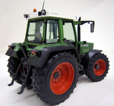 1001FENDT_FAVORIT514C_r.jpg