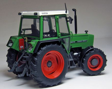 1047-FENDT-FARMER-308-LSA-rear_WEB.jpg